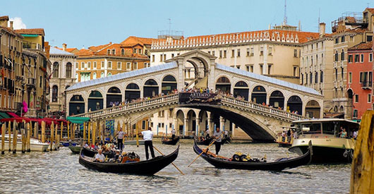 Venice to create energy from canal algae