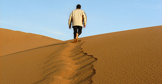 Scientists can make drinking water from desert air.