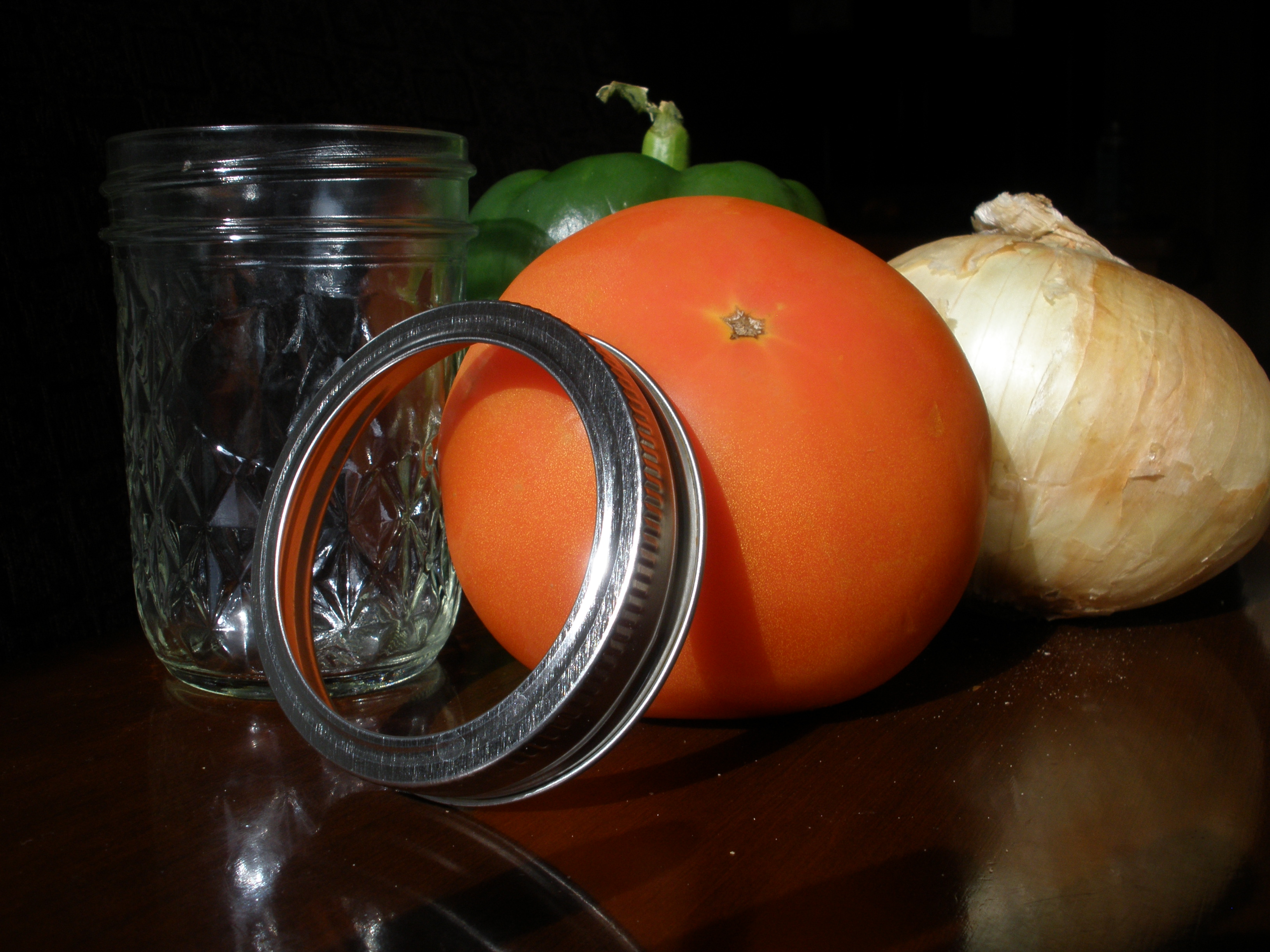 Canning jar, tomato, onion, green pepper