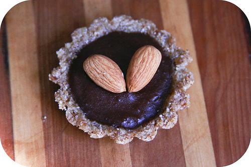 raw vegan chocolate tarts