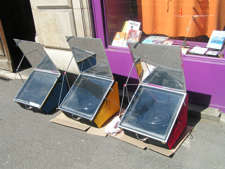 3 Solar Cookers