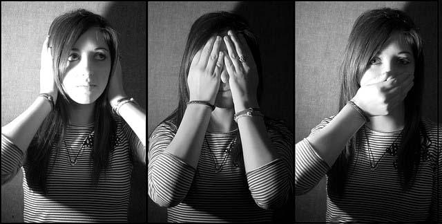 trifold picture: hear no evil, see no evil, speak no evil