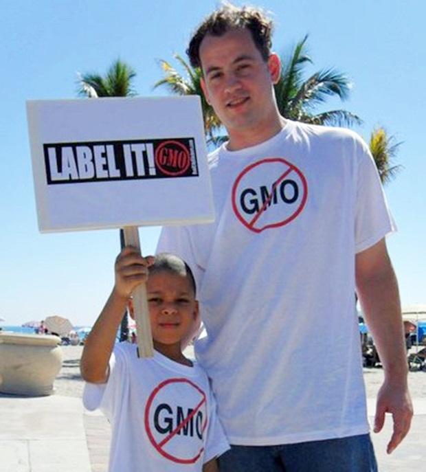 'Label It!' No GMO protesters