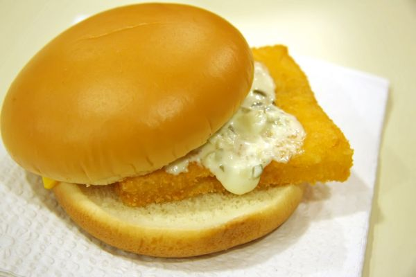 Fast food goes sustainable insteading for Fish sandwich fast food