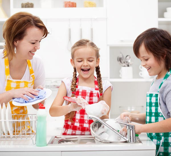 8 Toxic Chemicals in Conventional Dish Soap