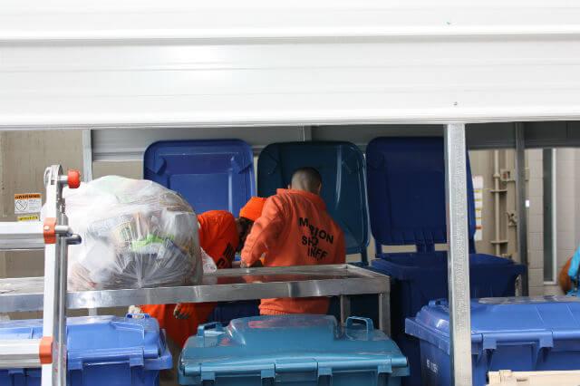 oregon prison recycling program