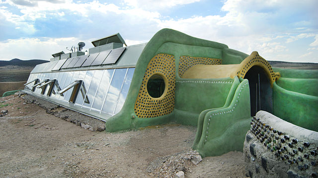 640px-G2_Global_model_Earthship_Taos_N.M.