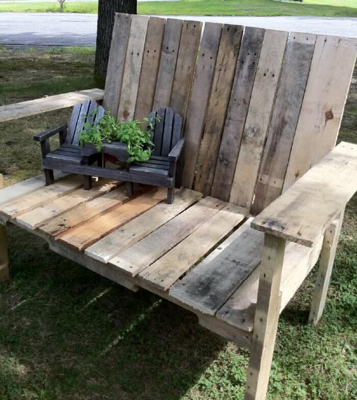 Pallet Furniture O Insteading