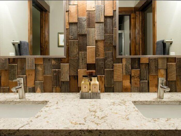 Superbe Salvaged Wood On Walls