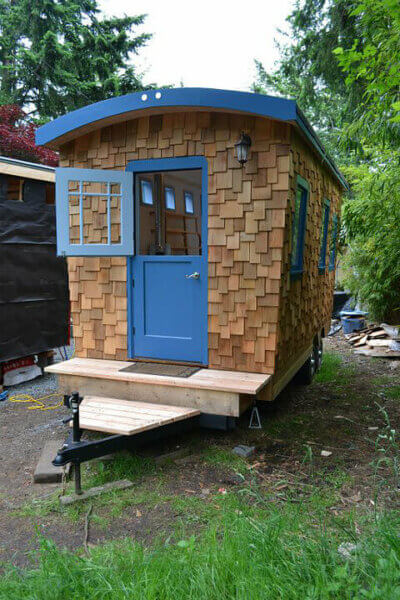 hornby-island-caravans-model