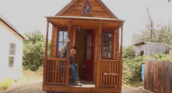 we-the-tiny-house-people-movie-screenshot