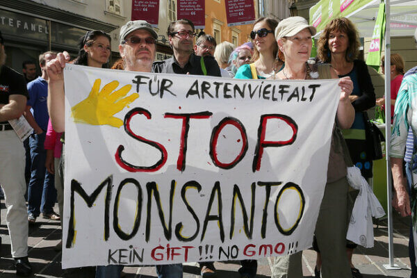 GMO-seeds-monsanto-protest