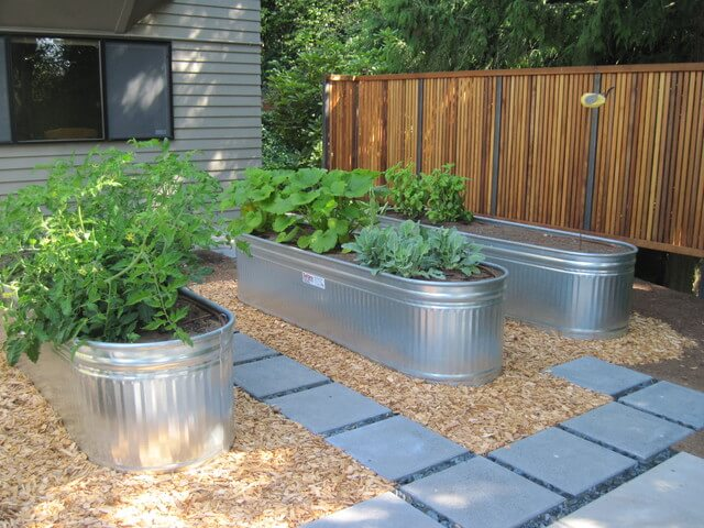 Delicieux 5) Galvanized Water Trough Planters For A Clean Look