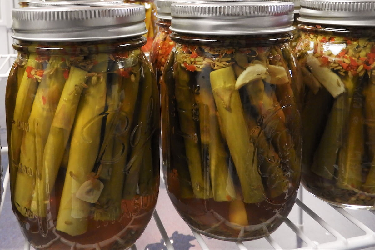 canned asparagus in jars