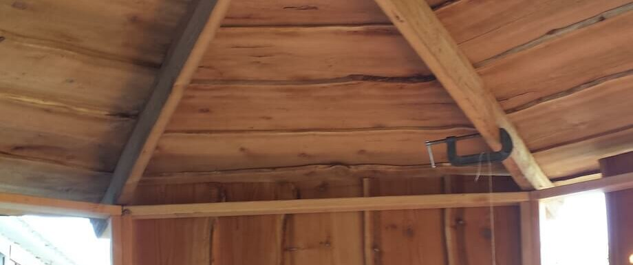 DIY sauna with keyhole roof