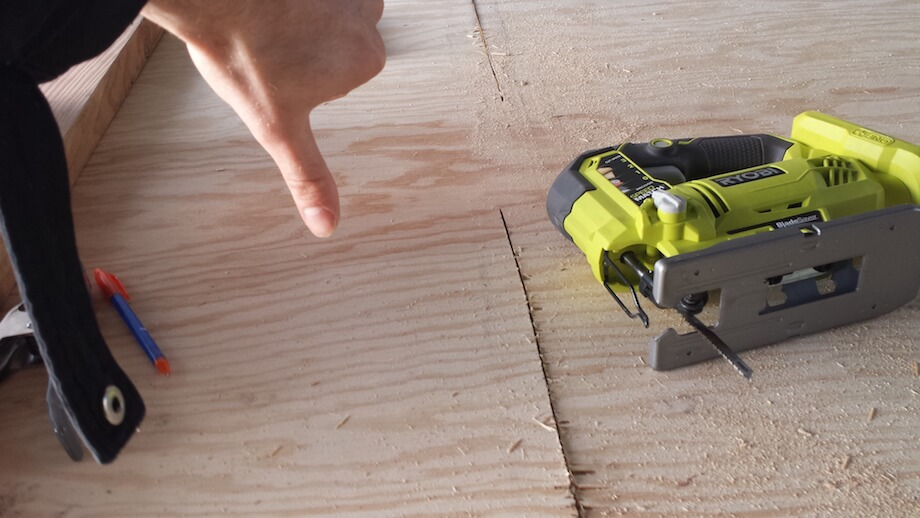 thumbs down to jigsaws for cutting plywood