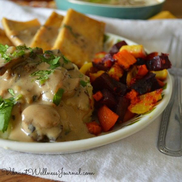 Excellent (but simple) vegan Thanksgiving recipes that work well for any holiday meal!