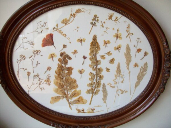 wooden serving tray made with pressed flowers