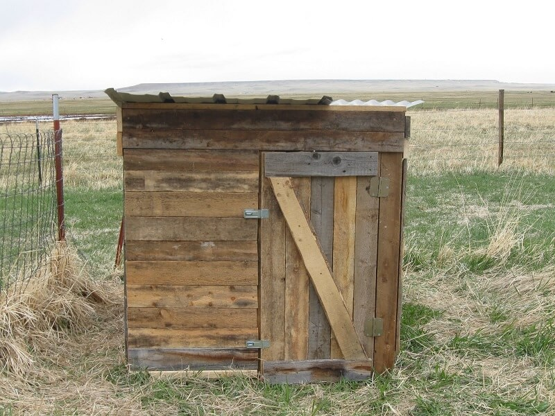 Upcycled Pallet Chicken Coop Plans