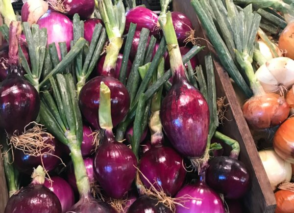 red onions and sweet onions