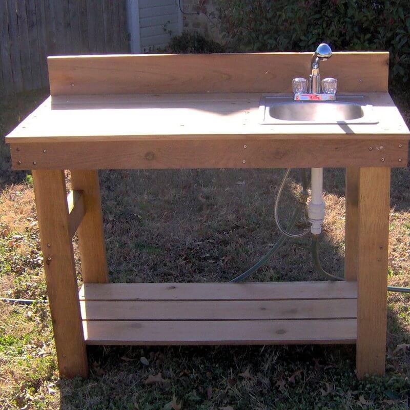 Cedar Potting Bench With Sink