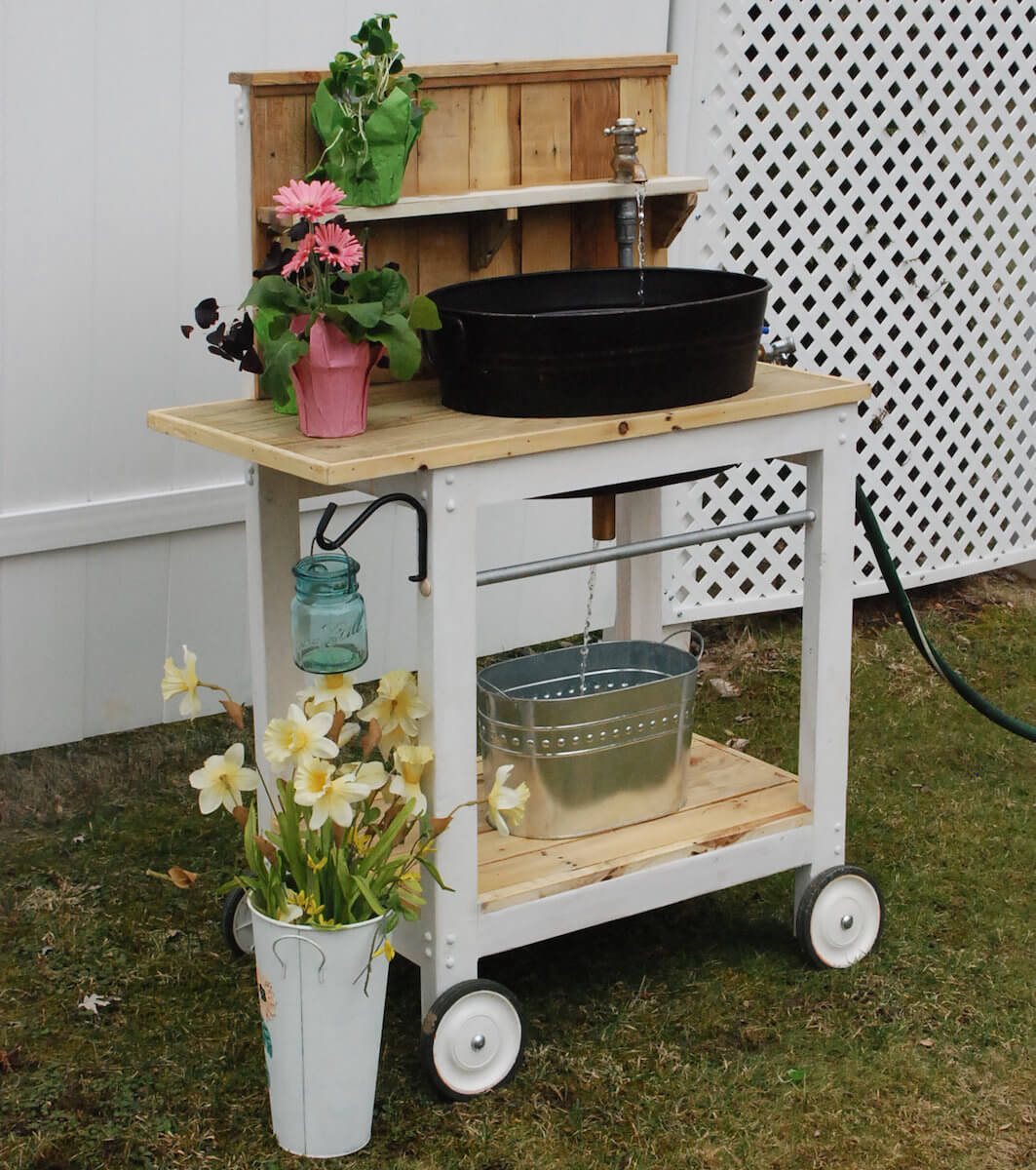 Potting Bench With Bowl Style Sink