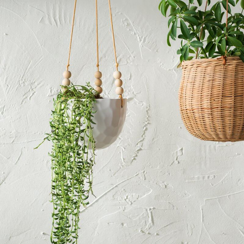 tound ceramic hanging planter