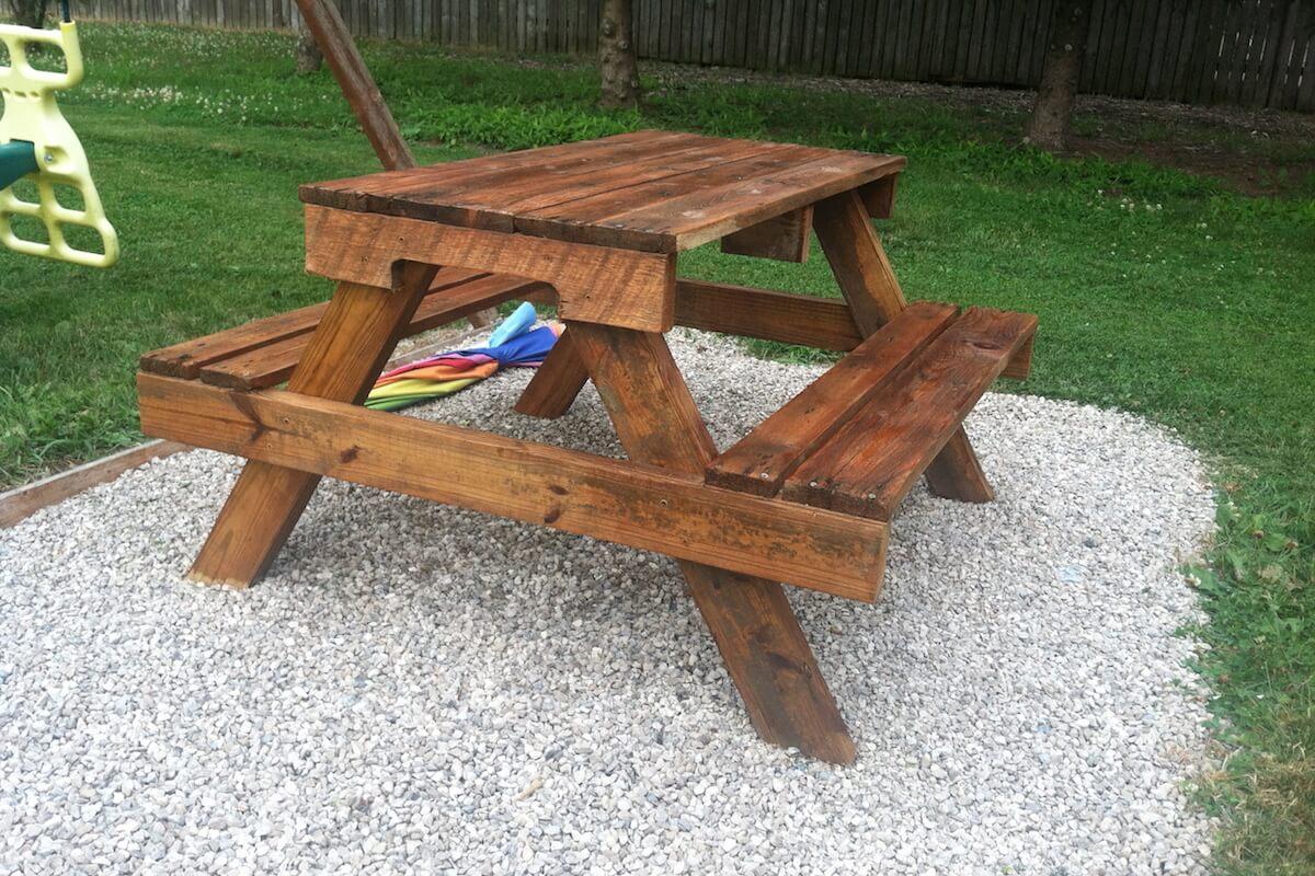 Kids Pallet Picnic Table