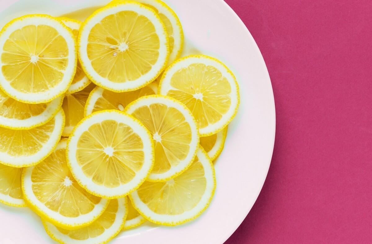 plate of lemons