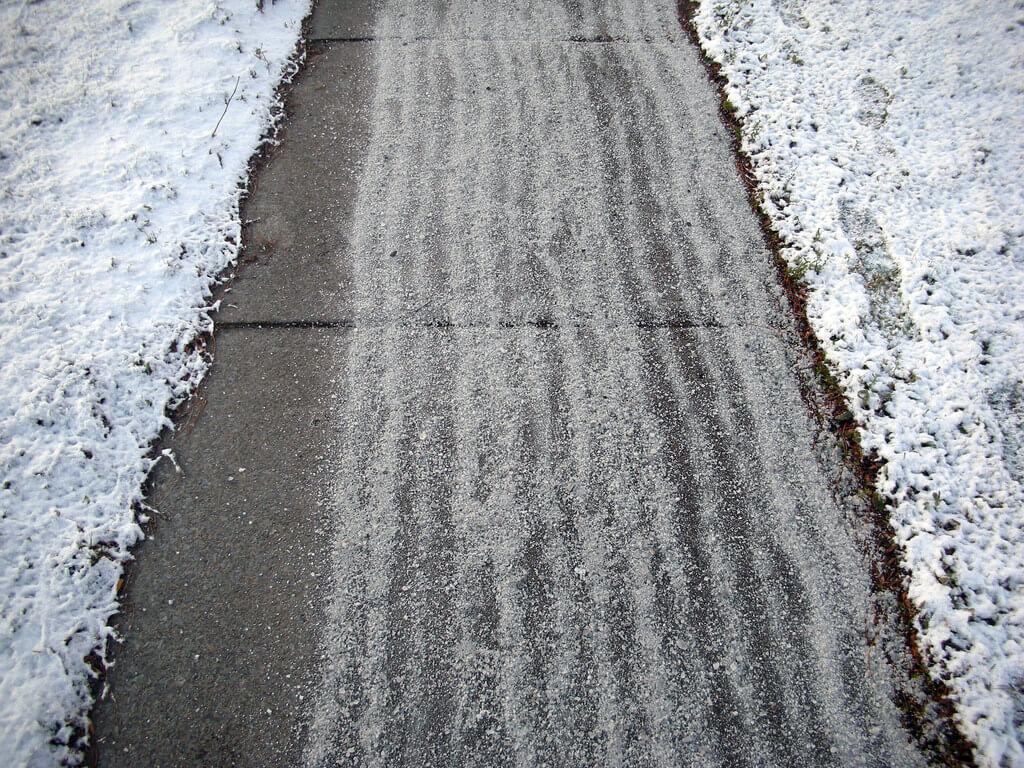 salted sidewalk homemade ice melt