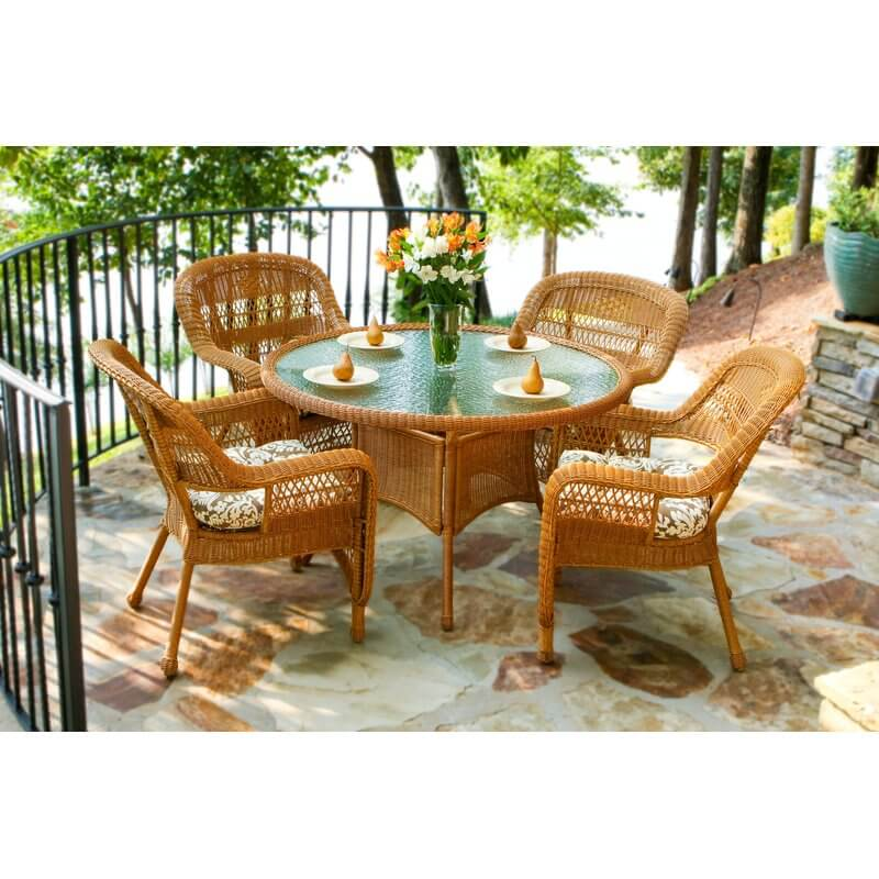 Traditional Wicker Patio Dining Set