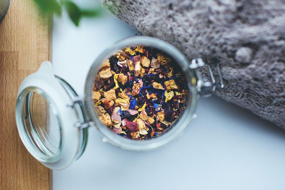 potpourri in jars