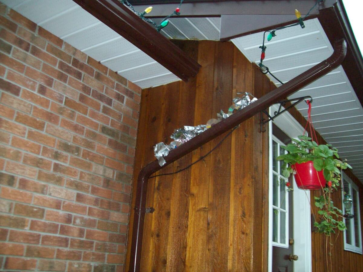aluminum deterrent for robins