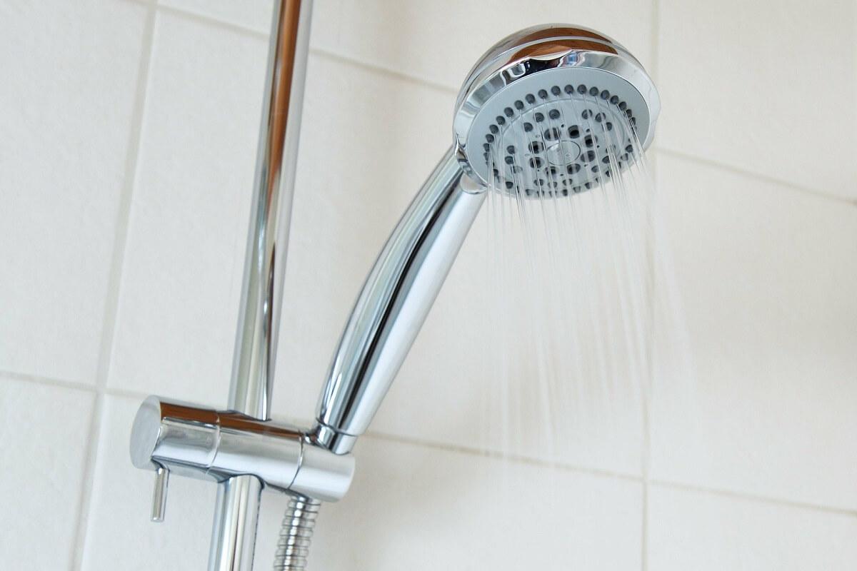 clean shower head