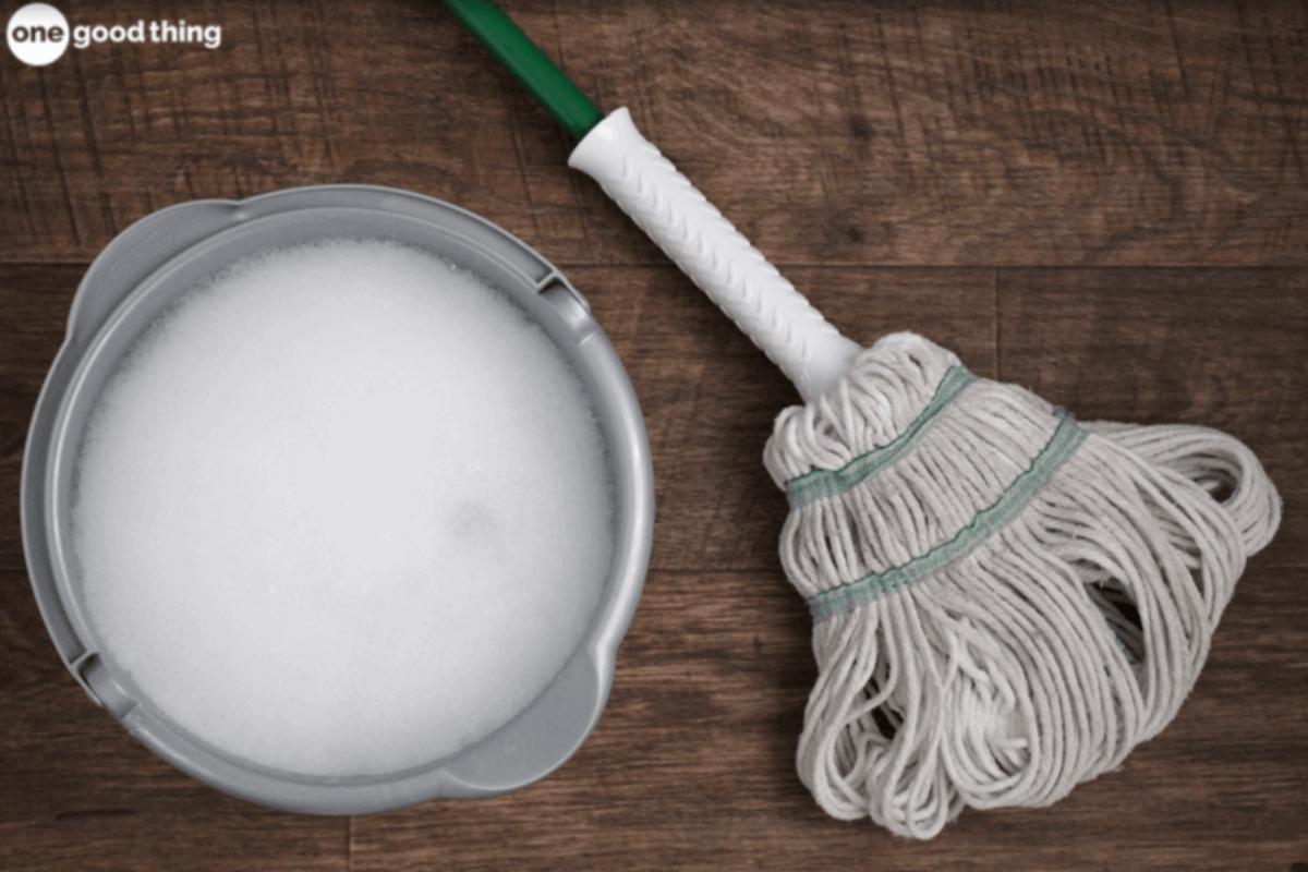 degreasing floor cleaner