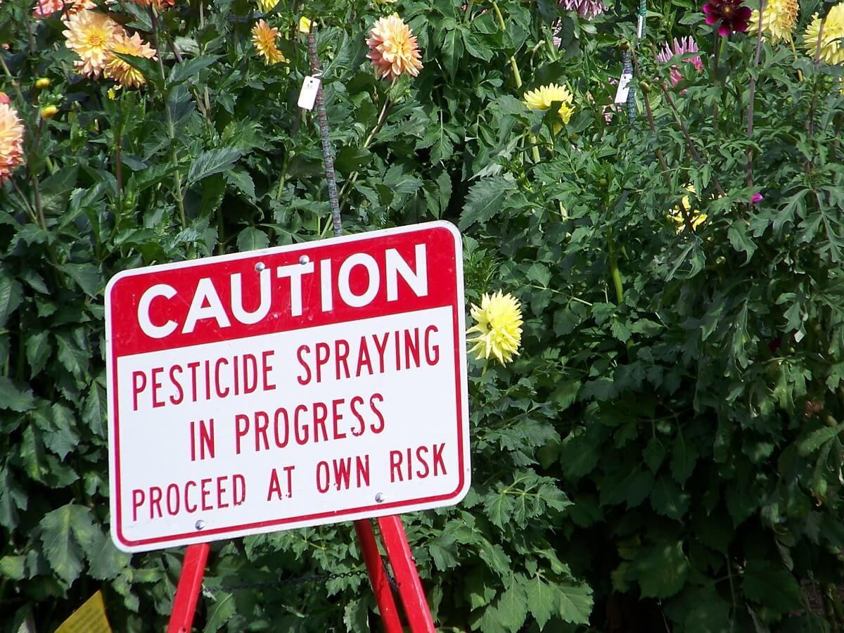 pesticide spraying sign