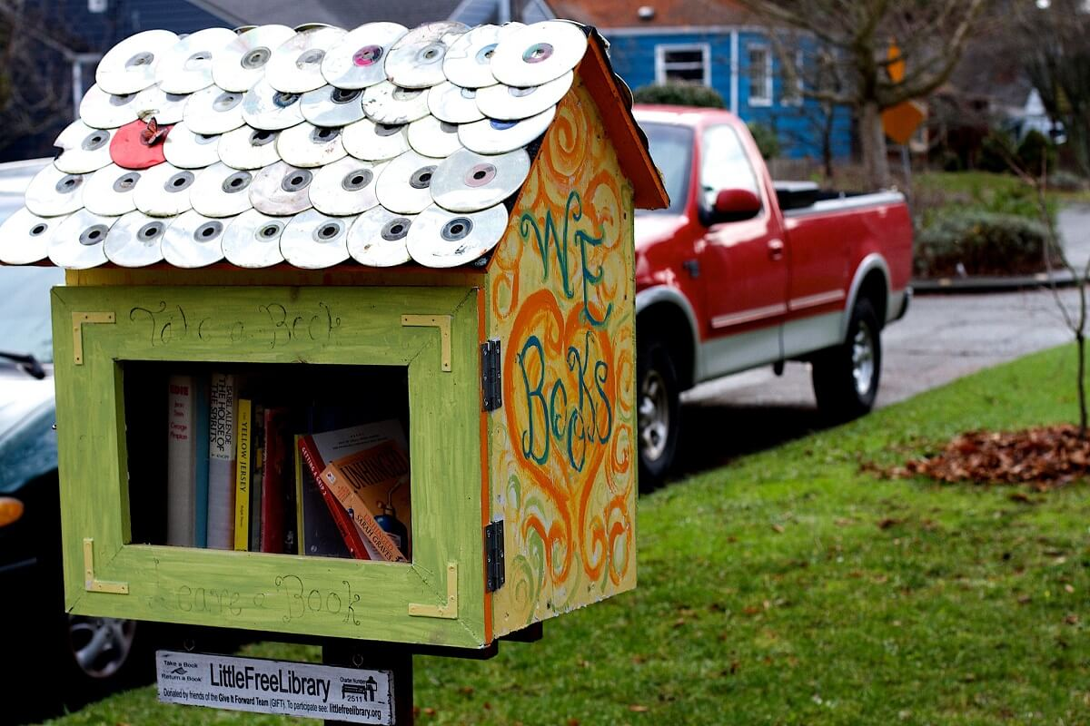 little free library plans with cd roof