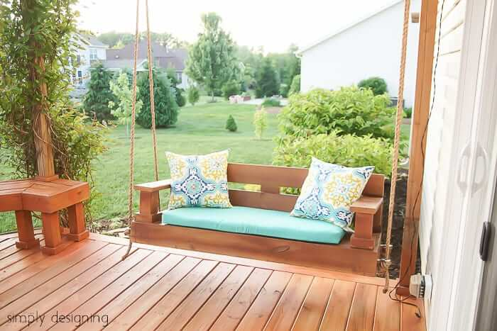 casual-porch-swing