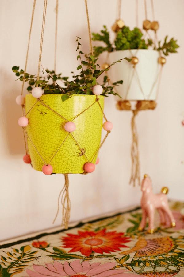 beaded-plant-hangers