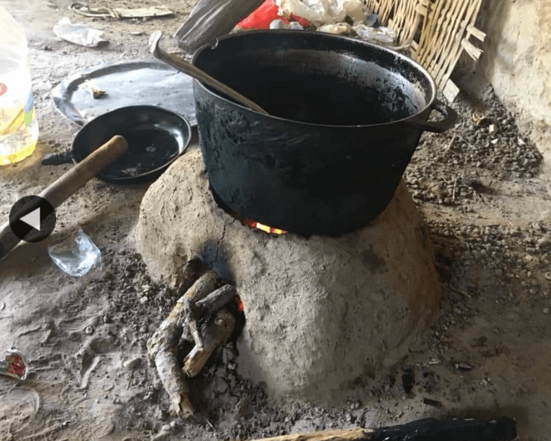 overside-pot-on-mudstove