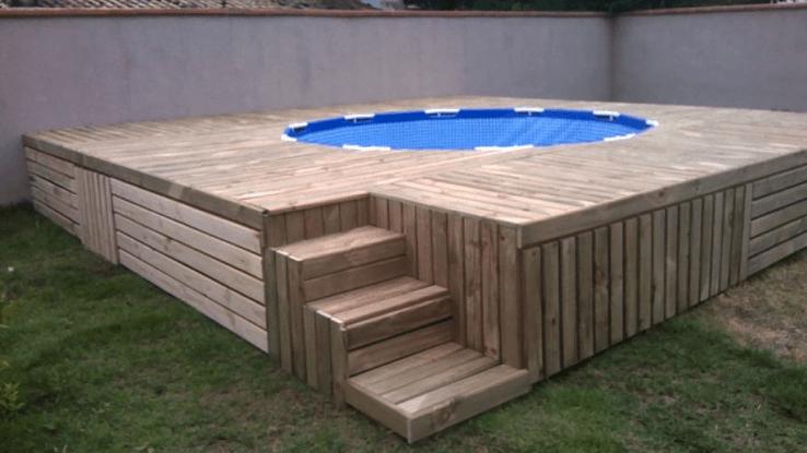 Pallet Wood DIY Pool Deck Plans