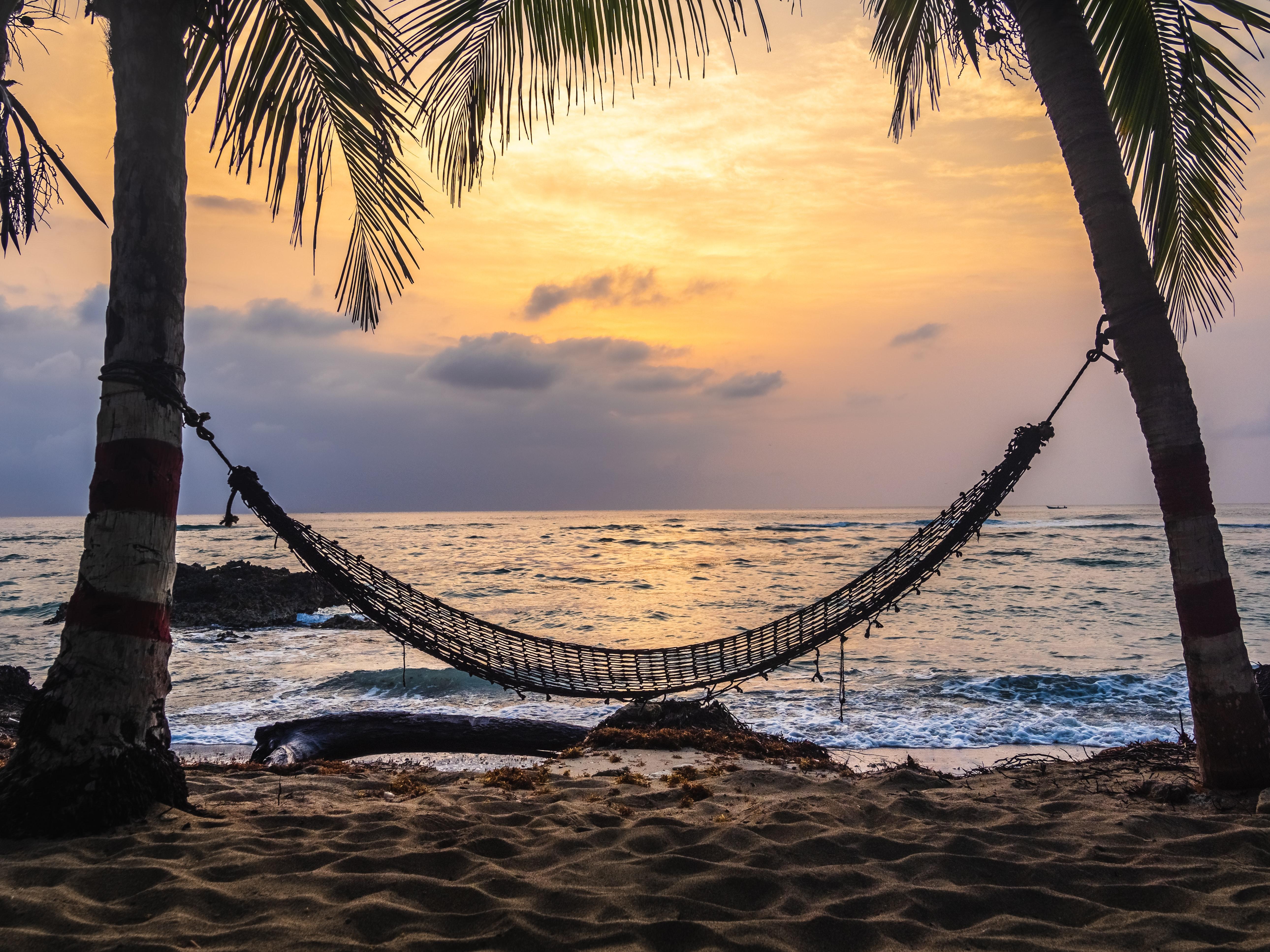 diy hammock on the beach