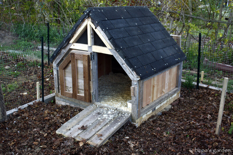 Upcycled DIY Duck House Plan