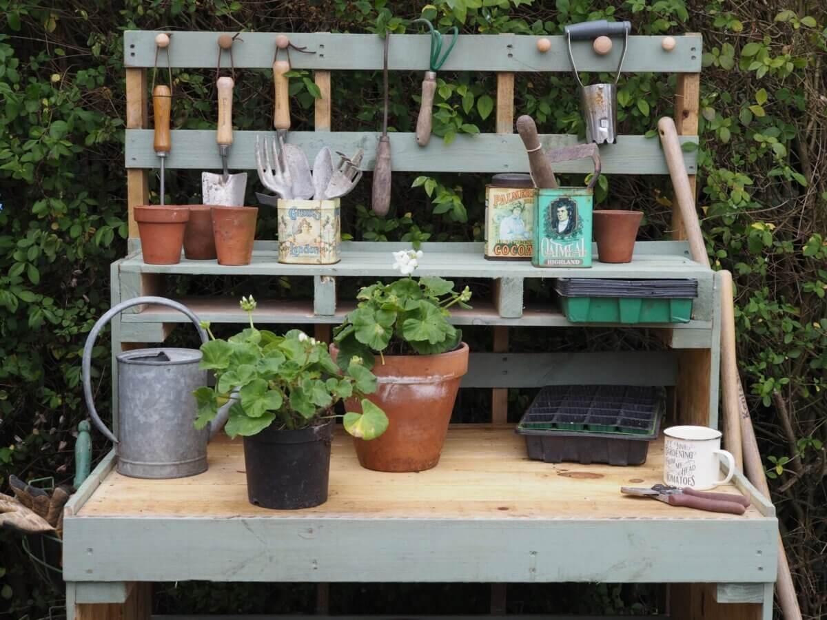 DIY PalletPotting Bench