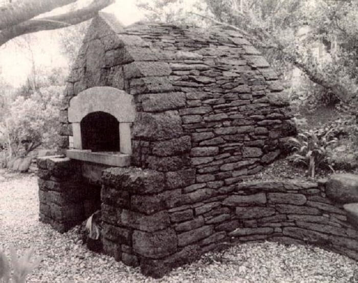 outdoor-stone-oven-alan-scott-oven