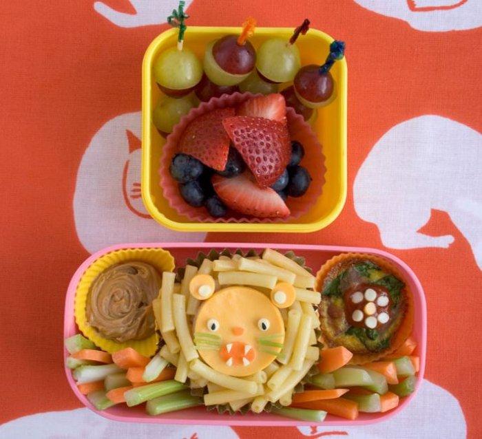 bento-box-pasta-lion