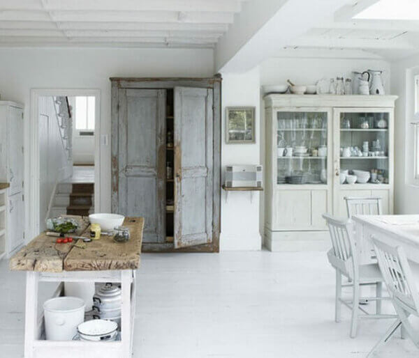 recycling-old-doors-rustic-kitchen