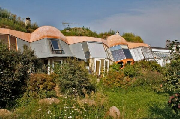 earth-sheltered-homes-danish-eco-village-of-dyssekilde