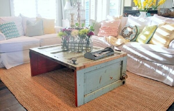 recycling-old-doors-door-coffee-table