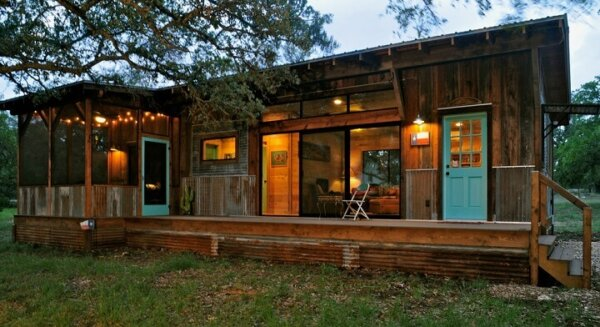 salvaged-wood-cabin-driftwood-house
